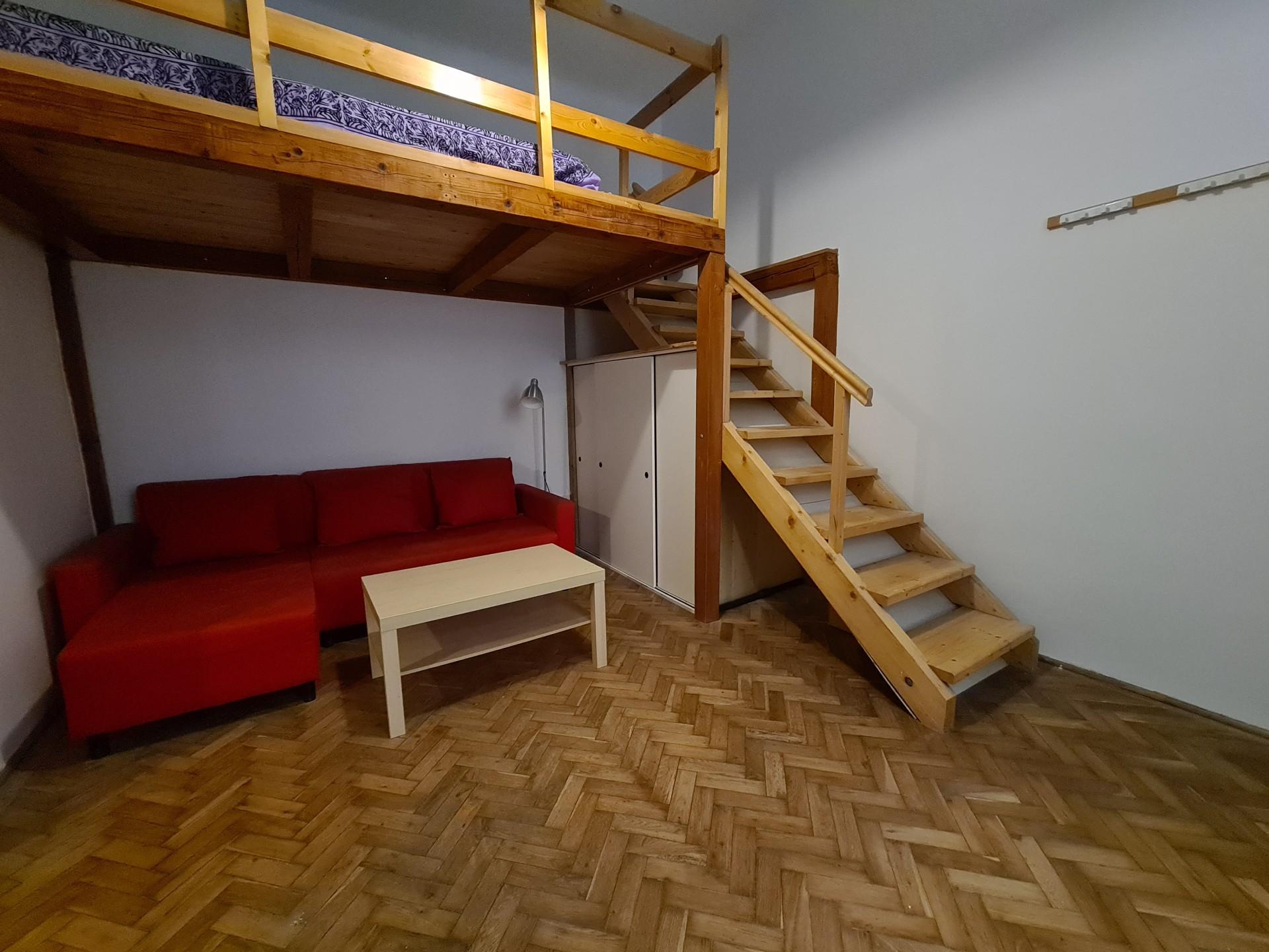 kiadó lakás hajnóczy józsef utca